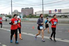 Moskvamaratonlöpare Arkivfoton
