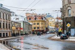 MoskvaSolyanka gata och synagoga Arkivfoto