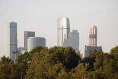 Moskvastadsaffär och lägenhetmitt Royaltyfria Bilder