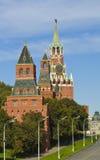 Moskwa, Kremlin góruje Zdjęcie Royalty Free