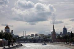 Moskwa Kremlowska panorama w pogodnym letnim dniu Fotografia Stock