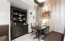 MOSKWA, LIPIEC - 2014: Wnętrze jest wygodnym Czeskim pubem PPK-BAR obrazy stock