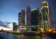 Moskwa Międzynarodowy centrum biznesu w wieczór Zdjęcie Royalty Free