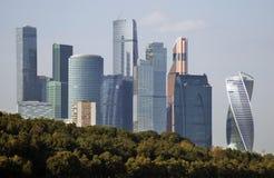 Moskwa miasta mieszkania i biznes ześrodkowywamy Moskwa rzeka Obraz Stock