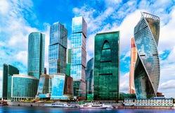 Moskwa miasta, Rosja nowożytny centrum miasta drapacze chmur Zdjęcia Royalty Free