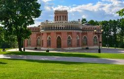 Moskwa Rosja, Czerwiec, - 08, 2016 Kawaleria korpusy w muzealnej nieruchomości Tsaritsyno Zdjęcia Royalty Free