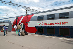 Moskwa Rosja, Czerwiec, - 14 2016 kondygnacja pociągu liczby 45 trasa od Moskwa Voronezh przy Kazan stacją Fotografia Stock