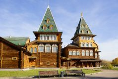 Moskwa, Rosja, drewniany pałac car Alexey Mikhailovich w Kolomenskoye odbudowie obrazy stock