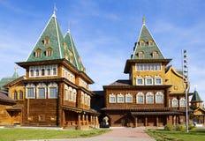 Moskwa, Rosja, drewniany pałac car Alexey Mikhailovich w Kolomenskoye odbudowie fotografia royalty free