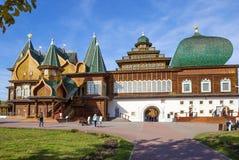 Moskwa, Rosja, drewniany pałac car Alexey Mikhailovich w Kolomenskoye odbudowie obrazy royalty free