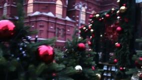 Moskwa Rosja, Grudzień, - 21, 2017: Tłum przy Bożenarodzeniowym targowym jarmarkiem na placu czerwonym zbiory