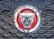 MOSKWA ROSJA, GRUDZIEŃ, - 7, 2016: Jaguar samochodu logo Jaguar samochody Zdjęcie Royalty Free