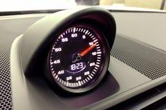 Moskwa Rosja, Kwiecień, - 01, 2019: Porsche 911 sporta chrono opcja, chronometr w wnętrzu premia sportowy samochód obraz royalty free