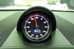 Moskwa Rosja, Kwiecień, - 01, 2019: Porsche 911 sporta chrono opcja, chronometr w wnętrzu premia sportowy samochód fotografia royalty free