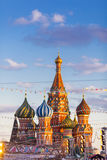 MOSKWA ROSJA, LUTY, - 27, 2016: Katedra znać jako Świątobliwa basil katedra, Pokrovsky Vasily Błogosławiony, lub Zdjęcia Royalty Free