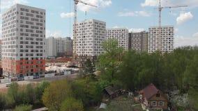 Moskwa Rosja, Maj, - 7 2019 Budynek mieszkalny buduj?cy PIK jest wielkimi firmami budowlanymi w Rosja zdjęcie wideo