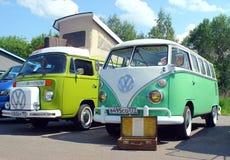 MOSKWA ROSJA, MAJ, - 28, 2016: Klasyczny wolkswagena transporteru T1 typ - 1 przy VW samochodu festiwalem Zdjęcie Stock