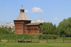 Moskwa Rosja, Maj, - 12, 2018: Mokhovaya wierza Sumskoy forteca w Kolomenskoye rezerwie zdjęcia stock