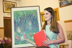 MOSKWA, ROSJA, MAJ 19, 2014: Niezidentyfikowany nastolatek dziewczyny graduat Fotografia Royalty Free