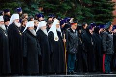 MOSKWA ROSJA, MAJ, - 08, 2017: Patriarcha WYSOCY duchowieństwa rosyjski kościół prawosławny i kłaść a zdjęcie stock