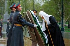 MOSKWA ROSJA, MAJ, - 08, 2017: Patriarcha WYSOCY duchowieństwa rosyjski kościół prawosławny kłaść i obrazy stock