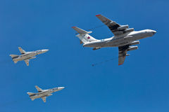 MOSKWA ROSJA, MAJ, - 7,2015: Rosyjski siły powietrzne IL-78 powietrze-powietrze refueling Obraz Stock