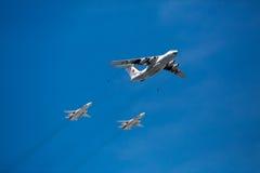 MOSKWA ROSJA, MAJ, - 7,2015: Rosyjski siły powietrzne IL-78 powietrze-powietrze refueling Obrazy Stock