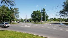 Moskwa Rosja, Maj, - 22 2018 ruch drogowy samochody wzdłuż Andropov alei zdjęcie wideo