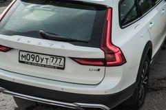 MOSKWA ROSJA, MAJ, - 3, 2017 VOLVO V90 PRZECINAJĄCY kraj, strona widok Test nowy Volvo V90 Przecinający kraj Ten samochód jest AW Zdjęcia Royalty Free