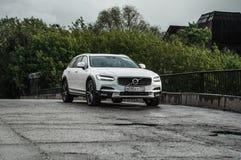 MOSKWA ROSJA, MAJ, - 3, 2017 VOLVO V90 PRZECINAJĄCY kraj, strona widok Test nowy Volvo V90 Przecinający kraj Ten samochód jest AW Zdjęcie Royalty Free