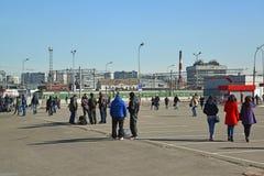 Moskwa Rosja, Marzec, - 10 2016 Teren przed Kursk stacją kolejową RZD W roku odtransportowywa więcej niż 1 Fotografia Royalty Free