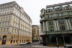 Moskwa, Rosja mo?e 25, 2019 Baltschug ulica widok, antyczna architektura domy obrazy stock