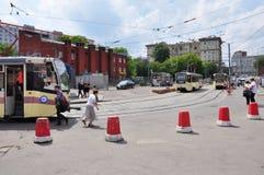 MOSKWA, ROSJA - 15 06 2015 Tramwaj przejażdżki na poręczach Każdy dzień iść na miasta 1.000 tramwajach Obraz Stock