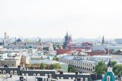 MOSKWA, SIERPIEŃ - 21, 2016: Widok w centrum Moskwa z Kremlin i kościół na Sierpień 21, 2016 w Moskwa, Rosja Obrazy Stock