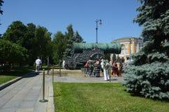 Moskwa Tsar Kremlowscy 1586 działa Andrey Chokhov Rosja letniego dnia Mistrzowski upał Zdjęcie Royalty Free