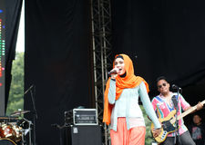 Female Moslem Band Vocalist Performance royalty free stock photos