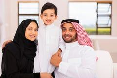 Moslemische entspannende Familie Stockbild