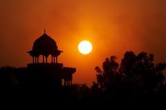 Moslemische Festung auf dem Sonnenuntergang lizenzfreie stockfotografie