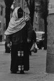 Moslemische Frau, die ein hijab trägt Lizenzfreies Stockbild
