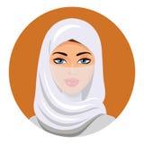 Moslemische Frau in einem hijab Getrennt Vektor Porträt der moslemischen Frau in einem hijab Lizenzfreie Stockbilder