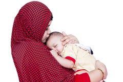 Moslemische Frau und Baby lizenzfreie stockfotos