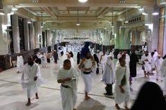 Moslemische Pilger führen saei ` lebhaftes Gehen durch Lizenzfreie Stockfotografie