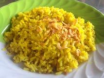 Moslemischer gelber Reis Lizenzfreie Stockbilder