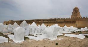 Moslemischer Kirchhof Acient, Kairouan-Moschee in Tunesien Lizenzfreie Stockbilder