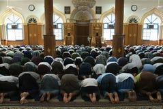 Moslemisches Gebet an einer Moschee von Yangon Lizenzfreies Stockfoto