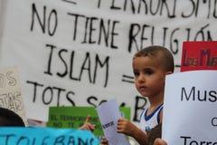 Moslems gegen Terrorismus stockbild