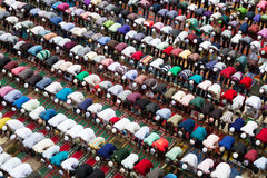 Moslim die in Bangladesh bidden Stock Foto's