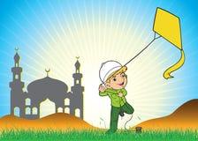 Moslim jongen die een vlieger spelen Royalty-vrije Stock Foto's