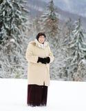 Moslim vrouw op sneeuw Royalty-vrije Stock Fotografie