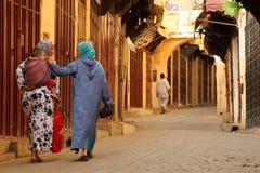 Moslim vrouwen met een kind royalty-vrije stock afbeeldingen